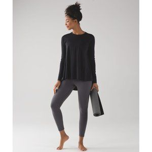Lululemon Acadia Long Sleeve Swing Tee Hi-Lo Hem